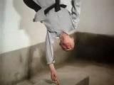 Стойка на одном пальце - Настоятель Хайден (Hai Deng, 海灯法师), Шаолинь